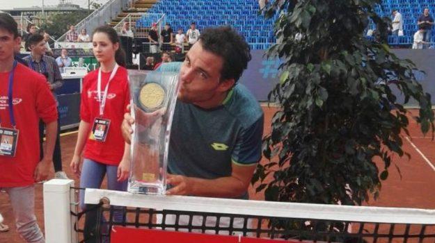 Vittoria Cecchinato, Marco Cecchinato, Sicilia, Sport