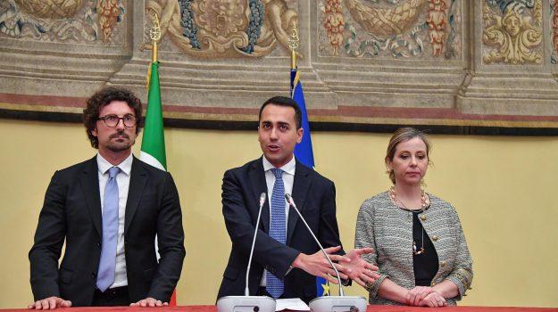 consultazioni governo, m5s, nuovo governo, pd, Luigi Di Maio, Maurizio Martina, Roberto Fico, Sicilia, Politica
