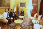 """Governo, Di Maio chiude alla Lega L'ira di Salvini: non rispetta il voto Apertura del Pd: """"Disponibili al dialogo"""""""