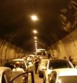 Caduti pezzi di intonaco, chiusa galleria sulla statale tra Sciacca e Agrigento