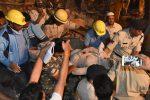 Crolla un albergo in India, almeno dieci le vittime