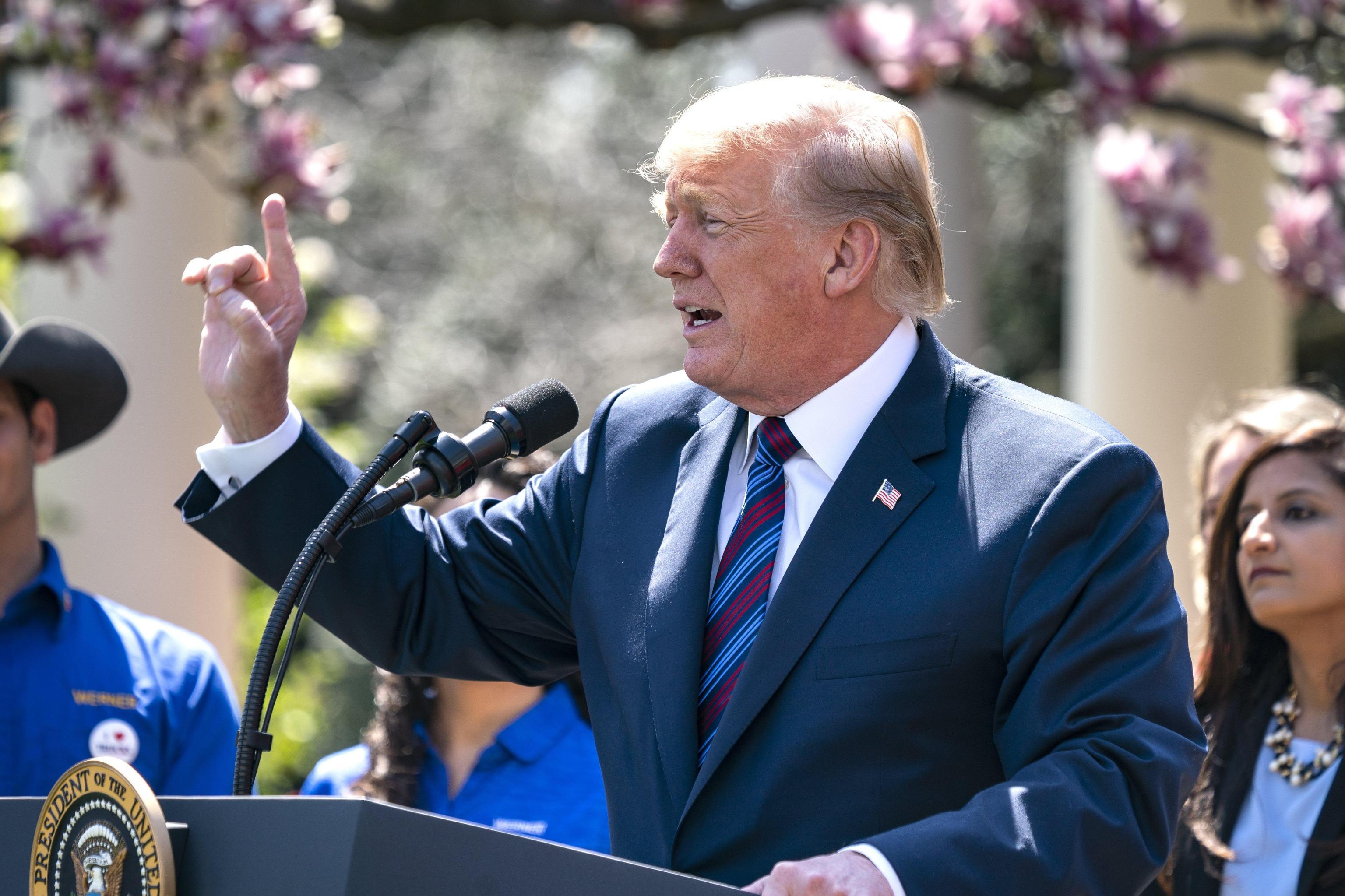 Raid in Siria, Trump pronto a nuove sanzioni contro la Russia