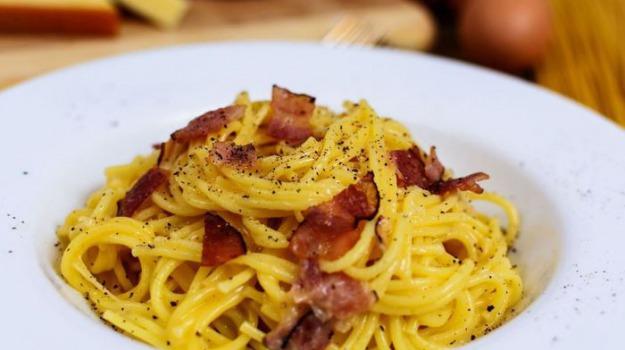 world pasta day, Sicilia, Società