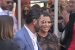 Eva Longoria una stella col «pancione» sulla Walk of Fame