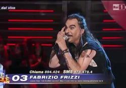 Frizzi cantò «Regina di cuori», e tra i giudici Christian De Sica rimase addirittura sbalordito