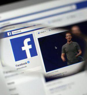 Facebook, nuove regole per la privacy: agli under 15 servirà il via libera dei genitori