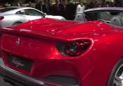 Nell'anno dei festeggiamenti del70° anniversario dalla nascita, Maranello lancia la nuova Gran Turismo V8 con tetto rigido retrattile. Motore turbo da 600 cavalli. Velocità: oltre 320 orari. Da 0 a 100 km/h in 3,5 secondi