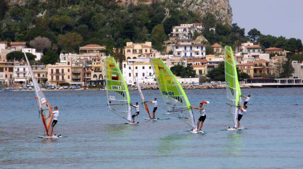 Campionato tavole vela Mondello, Sicilia, Sport