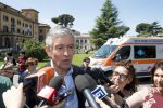 """Napolitano, i medici: """"Progressivo miglioramento, ha mangiato"""""""