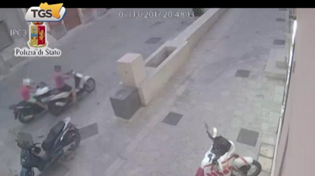 Furti di moto a Gela, 9 arresti