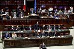 """Siria, Gentiloni: """"L'Italia non è neutrale, inaccettabile l'uso delle armi chimiche"""""""