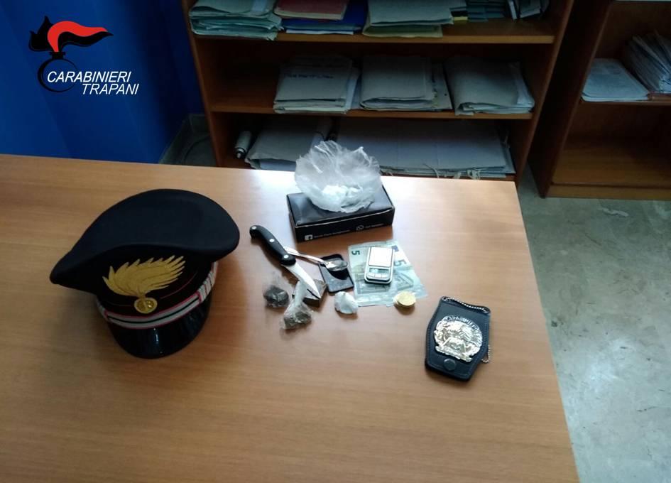 Trapani, era ai domiciliari ma spacciava droga: arrestato dai carabinieri