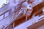 Incendio a Palermo, ecco le immagini da Via Enrico Albanese
