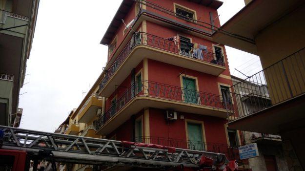 incendio gela, Caltanissetta, Cronaca