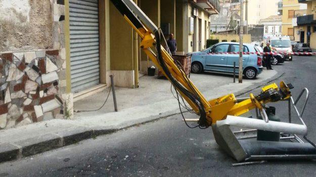 incidente sul lavoro giarre, Catania, Cronaca