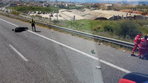 Incidenti in Sicilia, due morti e una donna ferita a Messina e a Ragusa