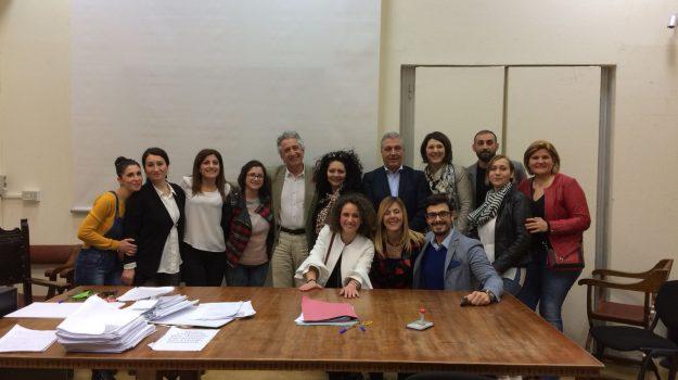 assunzioni sanità, stabilizzazione dei precari, stabilizzazione ospedali villa sofia-cervello, Palermo, Economia