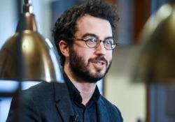 Lo scrittore a Milano ritira il premio de «la Lettura» per «Eccomi» (Guanda)