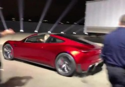 La Roadster 2, da 0 a 100 kmh in meno di due secondi