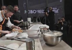 La pizza fritta contro il degrado sociale: l'impegno di Ciro Oliva per la rinascita del quartiere Sanità