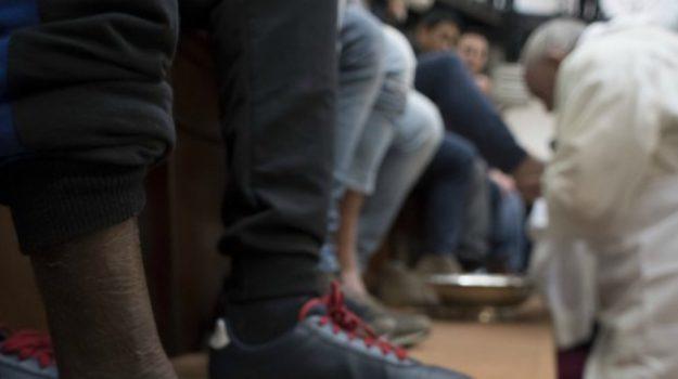 Lavanda piedi immigrati, Sicilia, Cronaca