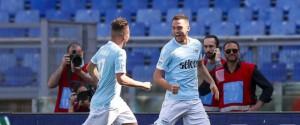 Serie A, in attesa di Juve-Napoli si infiamma la lotta Champions: vincono Inter e Lazio