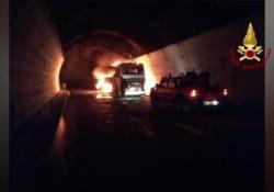 Segnalate fino a 18 chilometri di code tra Genova e Savona. Disagi almeno fino a lunedì. Autostrade consiglia di non mettersi in viaggio se non per motivi strettamente necessari