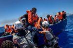 Migranti, riprendono gli sbarchi ma numeri in calo rispetto al 2017