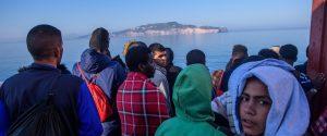Riprendono gli sbarchi, in 72 ore salvati 1.400 migranti nel Canale di Sicilia