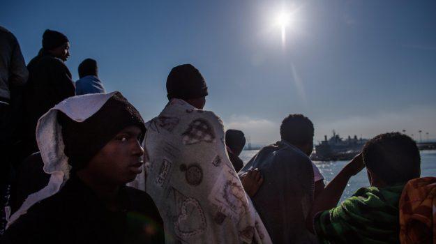 sbarco migranti trapani, Trapani, Cronaca