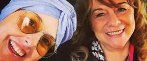 Nadia Toffa si mostra per la prima volta senza parrucca in un selfie insieme alla madre