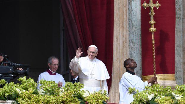 messa pasqua papa, messaggio Urbi et Orbi, profughi, Siria, Papa Francesco, Sicilia, Cronaca
