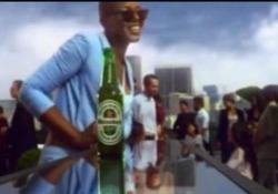 Chance the Rapper ha lanciato l'allarme sull'ambiguo messaggio contenuto nel nuovo slogan della birra, che ha subito fatto dietrofront