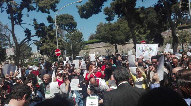 assegno disabili gravi, disabili gravi sicilia, Sicilia, Politica