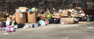 Buio, buche, rifiuti: area industriale di Catania nel degrado tra proteste e rimpalli di competenze