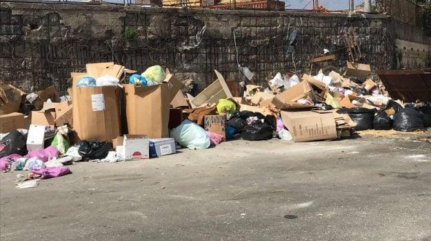 adiconsum, rifiuti catania, Catania, Cronaca