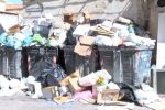 Guasto a Bellolampo, cassonetti già stracolmi di rifiuti per le vie di Palermo