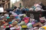 Palermo, è ancora emergenza rifiuti: la protesta dei residenti e dei turisti