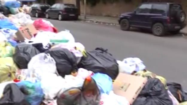 Palermo, in periferia è sempre emergenza rifiuti