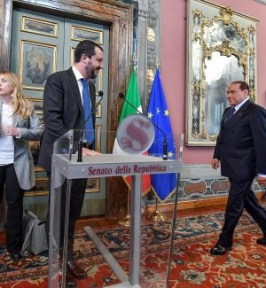 """Salvini: """"No a un governo tecnico, pronto a tutto"""". Berlusconi: """"M5s un pericolo per l'Italia"""""""