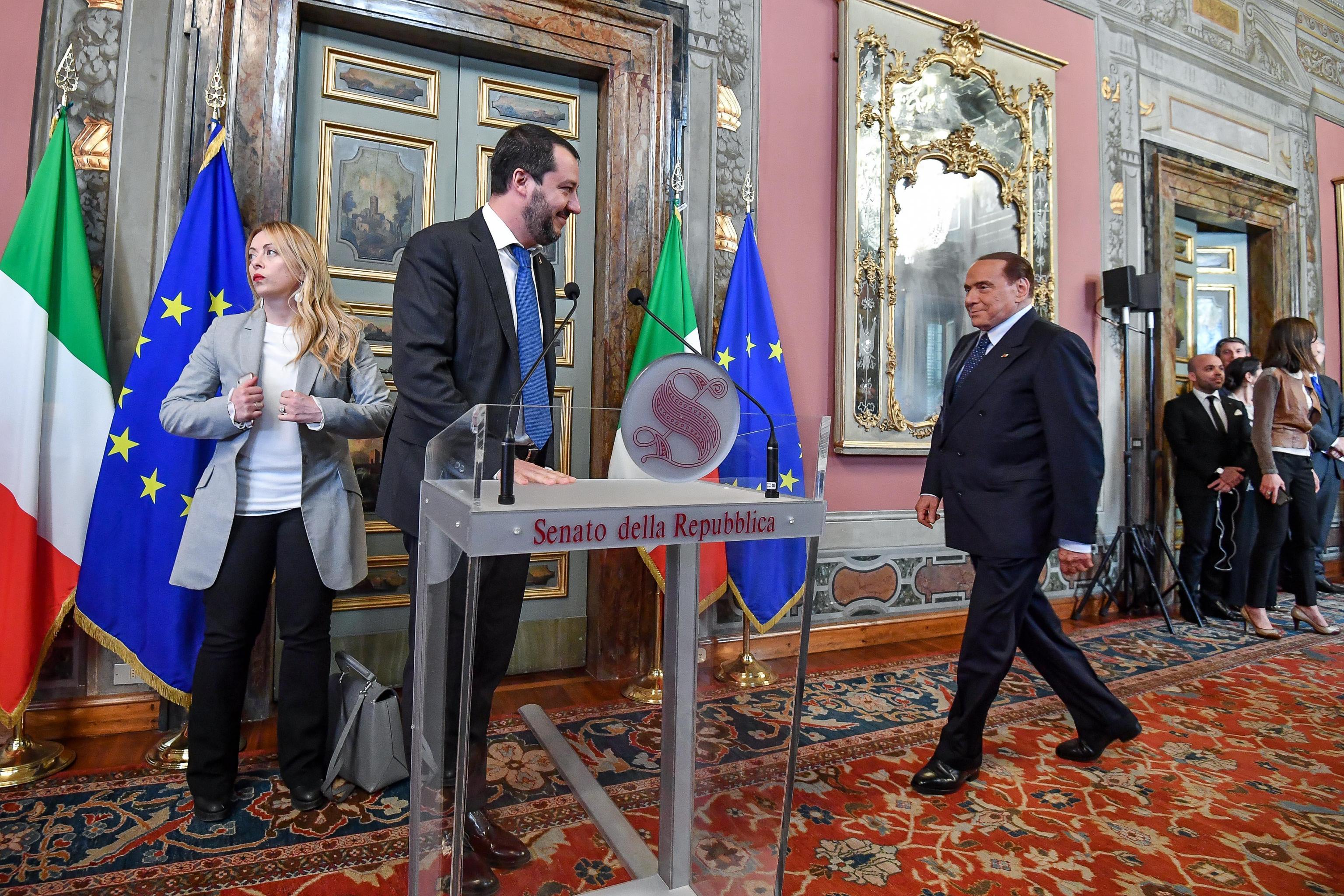 Berlusconi dice che al M5S farebbe