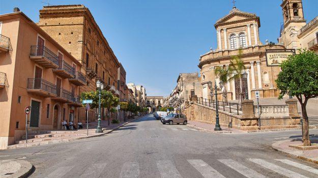 case a un euro sambuca di sicilia, Agrigento, Economia