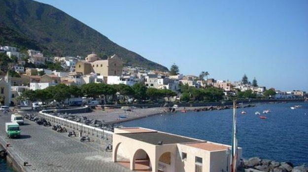 nuovo porto, polemiche, salina, Messina, Economia