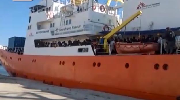 Trapani, sbarcati 537 migranti