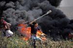 Gaza, nuovi scontri al confine con Israele: 9 palestinesi uccisi e oltre 1300 i feriti