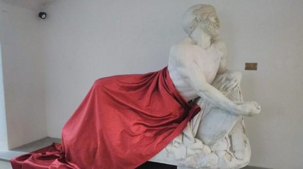 convegno islam, statua coperta, Sicilia, Cronaca