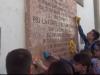 Gli studenti puliscono la lapide di Pio La Torre a Palermo