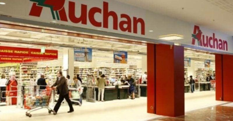 Chiusura Auchan, i lavoratori occupano la galleria dell'ipermercato