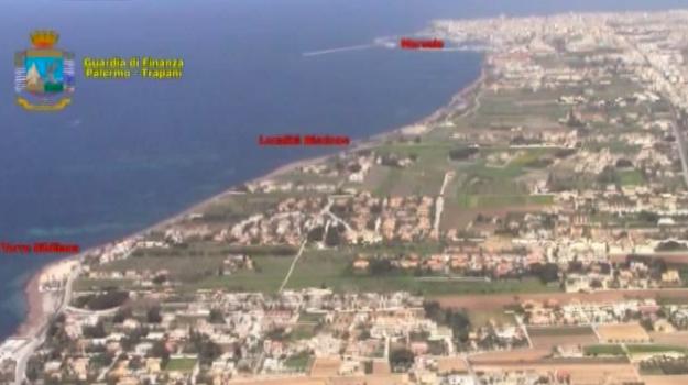 Viaggi di lusso tra la Tunisia e la Sicilia con il rischio terrorismo, tredici fermati