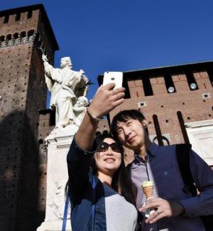 Turisti cinesi a Milano